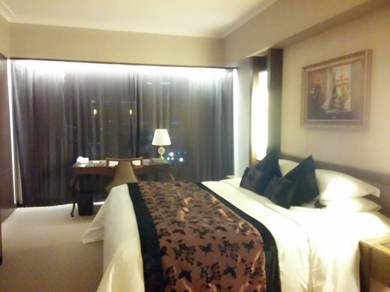Sofitel Macau at Ponte 16: Spacious room