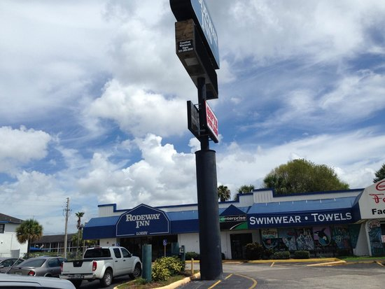Rodeway Inn Maingate: Front
