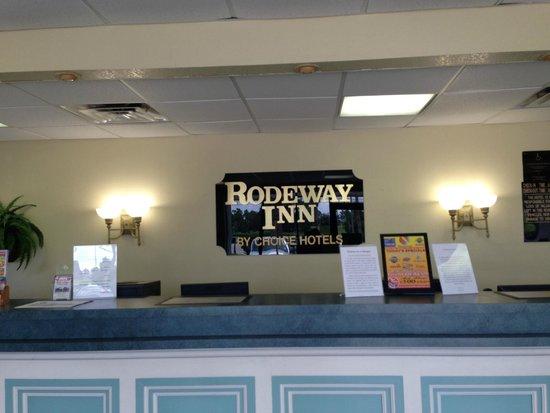 Rodeway Inn Maingate : Lobby