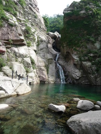 Beijiushui River Laoshan : Waterfall