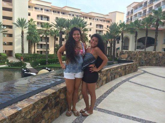 Hyatt Ziva Los Cabos: Happy sisters