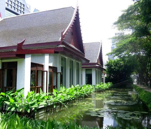 The Sukhothai Bangkok : The award-winning Thai restaurant at the hotel