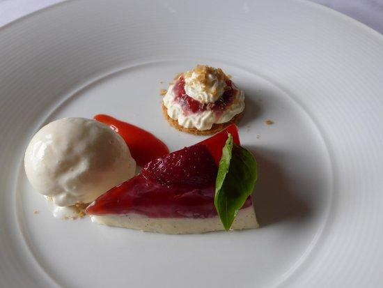 Taychreggan: Scottish Strawberries, Vanilla Panna