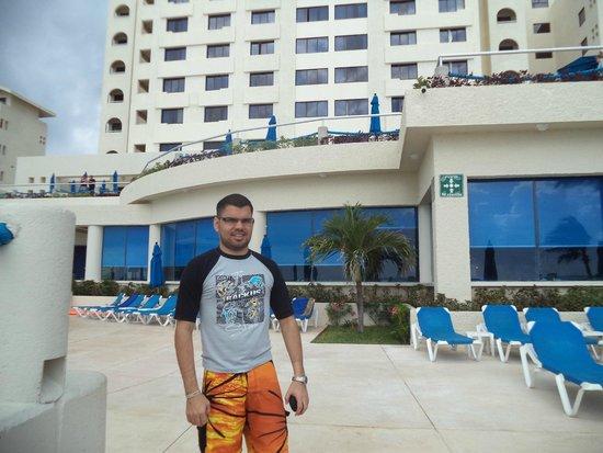 Occidental Tucancun: foto frontal