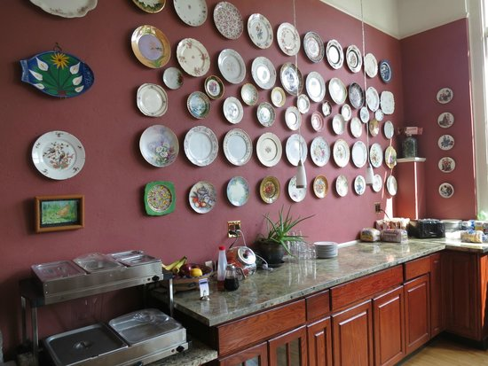Northside School Bed and Breakfast : Collection of Antique Plates