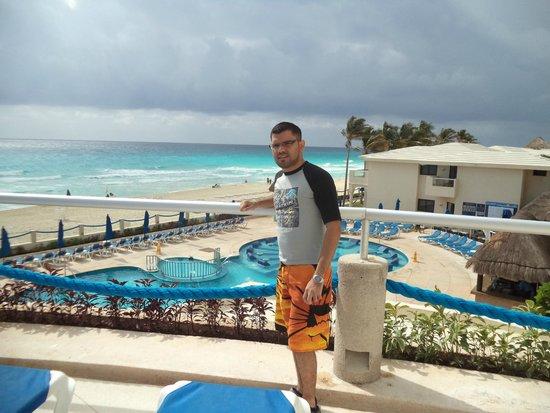 Barceló Tucancun Beach: al fondo la super playa de cancun