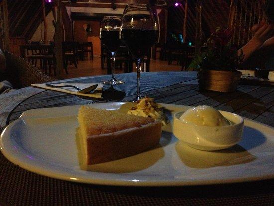 Bora Bora Yacht Club : Coconut pie. Yum!