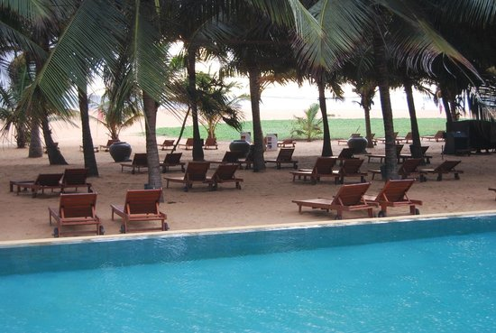 Jetwing Beach : Pool area