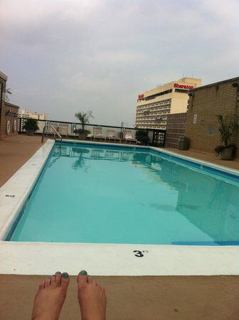 The Windsor Suites: The pool view