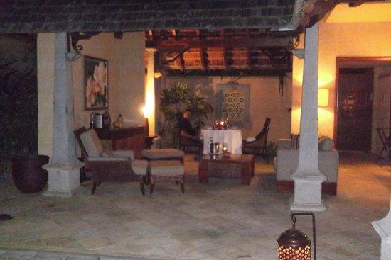 Maradiva Villas Resort and Spa: Relaxing area at the villa