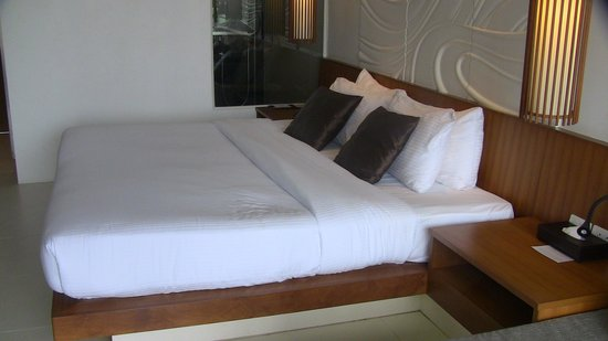 G Hua Hin Resort & Mall: large bed