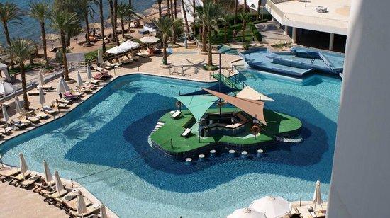 Taba Hotel and Nelson Village: Bar na basenie