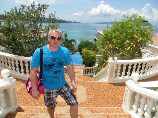 Lingganay Boracay Hotel Resort: дорога к пляжу