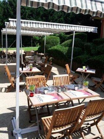 Campanile Honfleur - La Rivière Saint Sauveur : Terrasse Restaurant
