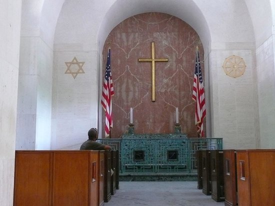 National Memorial Cemetery of the Pacific: Little chapel:  Star of David and Buddhists Wheel of Righteousness
