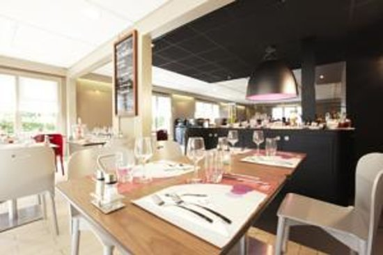 Campanile Honfleur - La Rivière Saint Sauveur : restaurant