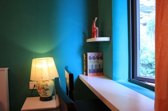 Guanjinglou Hotel: Double room with mountain view