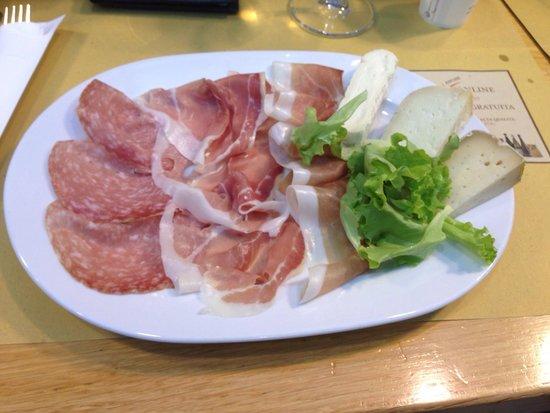 Eataly Torino Lingotto: Salumi e formaggi