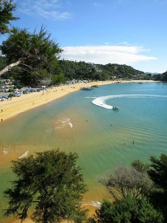 Kaiteriteri Beach: Stay and play