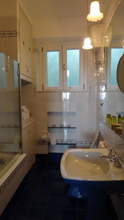 M Suites Sorrento: Bathroom in L'Ulivo