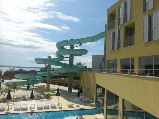 Falkensteiner Family Hotel Diadora : Outside pool area