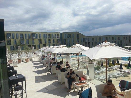 Falkensteiner Family Hotel Diadora: Outside pool area