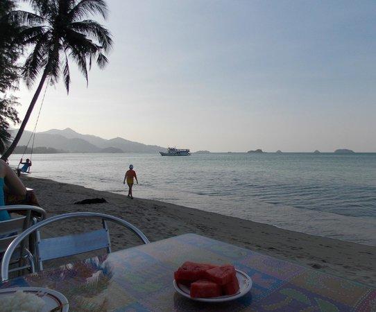 Khlong Prao Beach: так проходит завтрак. Утро доброе бывает!)))
