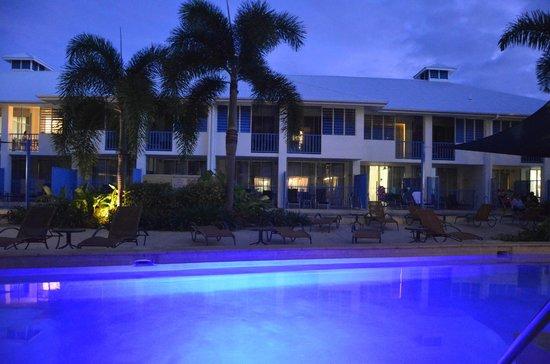 Oaks Lagoons: Night view