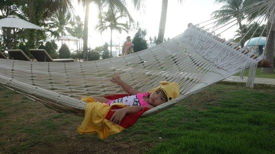 Sofitel Krabi Phokeethra Golf & Spa Resort: Nice hammock