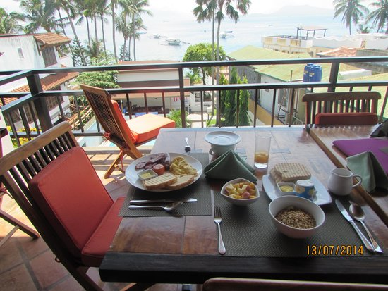 Out of the Blue Resort : Amazing Breakfast with Awesome views