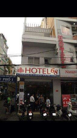 Hotel 68 : Hotel Entrance