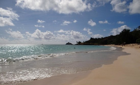 Kailua Beach Park : Lovely beach and great scenery.