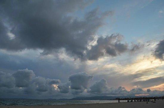 HSM Golden Playa: Sunset on the beach
