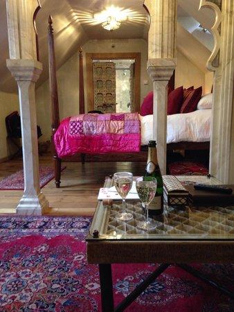 Crab Manor Hotel: Taj Mahal room