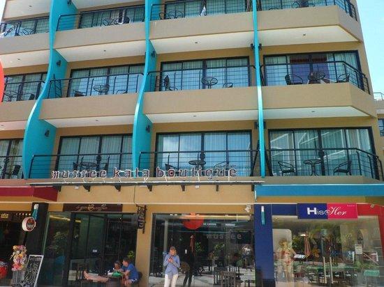 Must Sea Hotel: Вид со двора