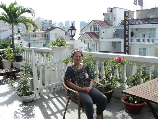 Bizu Boutique Hotel Phu My Hung: Balcony of penthouse