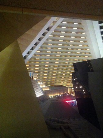 Luxor Las Vegas: Rooms