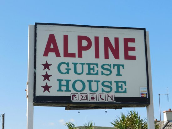 Alpine Guesthouse: Entry sign