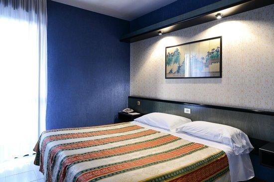 Spa Hotel Parigi 2 Photo