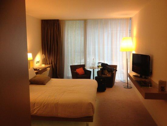 The Gibson Hotel: Nice modern room