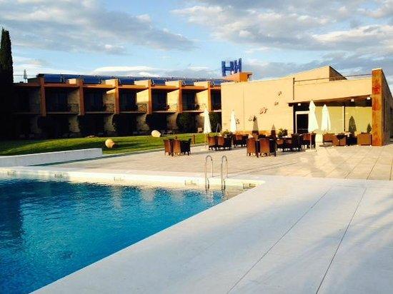 Hotel Albons: Vistas del hotel y la H sobrante