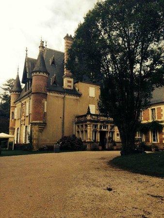 Château Le Haget : Chateau view from car park