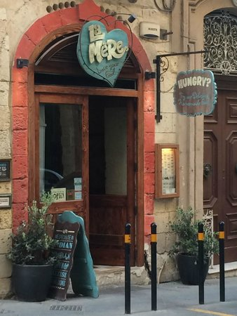 La Mere Restaurant: Delight in Merchant Street