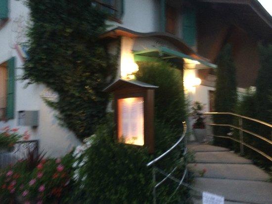 Cafe de Certoux: Entrance to Cafe Certoux