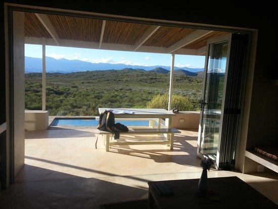 Tanagra Wine + Guestfarm: Lounge and kitchen..