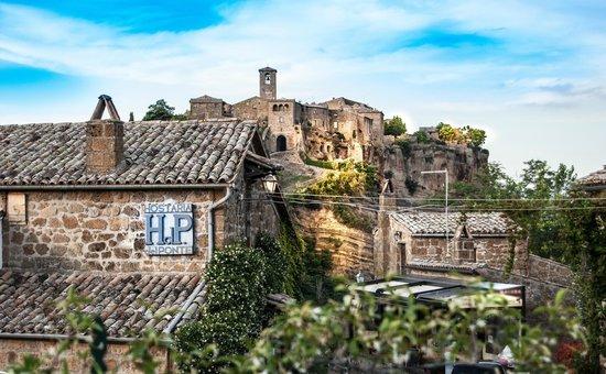 terrazza - Picture of Hostaria del Ponte, Civita di Bagnoregio ...
