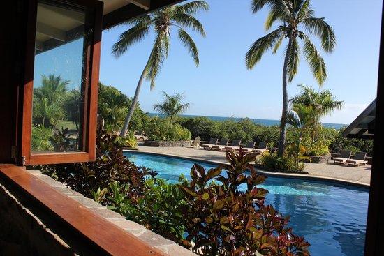 Volivoli Beach Resort Fiji: View from restaurant over the pool