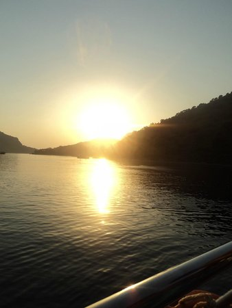 Karbel Hotel: Sunset cruise (would recommend)