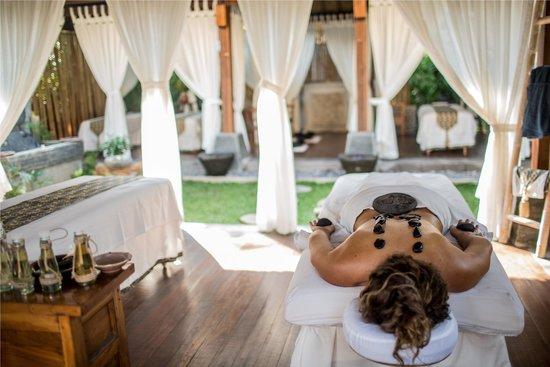 The Lovina: Hot stone massage