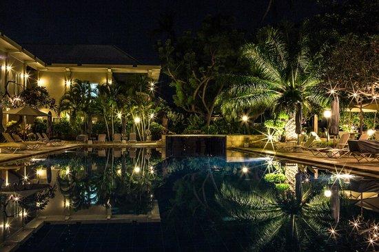 The Lovina: main pool at night